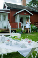 Bildno.: 11017502<br/><b>Feature: 00790028 - Swedish Charm, Western Chic</b><br/>A Swedish house in Dalarna with a Colorado feeling<br />living4media / Bj&#246;rnsdotter, Magdalena