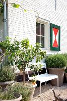 Bildnr.: 11006626<br/><b>Feature: 00790114 - Spiel der Kontraste</b><br/>A country house belonging to an interior designer, Niederlande<br />living4media / Claessens, Bieke