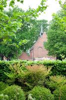 Bildnr.: 11006646<br/><b>Feature: 00790114 - Spiel der Kontraste</b><br/>A country house belonging to an interior designer, Niederlande<br />living4media / Claessens, Bieke