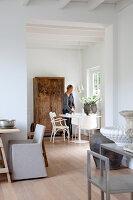 Bildnr.: 11006660<br/><b>Feature: 00790114 - Spiel der Kontraste</b><br/>A country house belonging to an interior designer, Niederlande<br />living4media / Claessens, Bieke