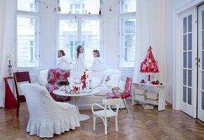 Bildnr.: 11074332<br/><b>Feature: 00790199 - Weihnachten in Wien</b><br/>Weihnachten ist ein Bastelfest f&#252;r die Familie M&#252;ller<br />living4media / Bauer, Christine