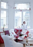Bildnr.: 11074334<br/><b>Feature: 00790199 - Weihnachten in Wien</b><br/>Weihnachten ist ein Bastelfest f&#252;r die Familie M&#252;ller<br />living4media / Bauer, Christine