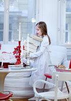 Bildnr.: 11074338<br/><b>Feature: 00790199 - Weihnachten in Wien</b><br/>Weihnachten ist ein Bastelfest f&#252;r die Familie M&#252;ller<br />living4media / Bauer, Christine