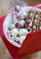 Bildnr.: 11074340<br/><b>Feature: 00790199 - Weihnachten in Wien</b><br/>Weihnachten ist ein Bastelfest f&#252;r die Familie M&#252;ller<br />living4media / Bauer, Christine