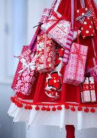Bildnr.: 11074346<br/><b>Feature: 00790199 - Weihnachten in Wien</b><br/>Weihnachten ist ein Bastelfest f&#252;r die Familie M&#252;ller<br />living4media / Bauer, Christine