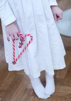 Bildnr.: 11074370<br/><b>Feature: 00790199 - Weihnachten in Wien</b><br/>Weihnachten ist ein Bastelfest f&#252;r die Familie M&#252;ller<br />living4media / Bauer, Christine