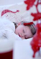 Bildnr.: 11074378<br/><b>Feature: 00790199 - Weihnachten in Wien</b><br/>Weihnachten ist ein Bastelfest f&#252;r die Familie M&#252;ller<br />living4media / Bauer, Christine