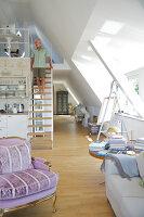 Bildnr.: 11017126<br/><b>Feature: 11017085 - Heller Hochsitz</b><br/>Wohnen im Dachgeschoss eines ehemaligen Postamtes<br />living4media / Heinze, Winfried
