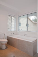 Bildno.: 11018592<br/><b>Feature: 11018591 - Relaxed but stylish</b><br/>Hamptons style beach house near Palm Beach<br />living4media / Bayside