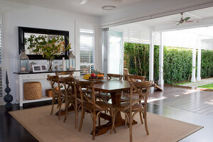 Bildno.: 11018602<br/><b>Feature: 11018591 - Relaxed but stylish</b><br/>Hamptons style beach house near Palm Beach<br />living4media / Bayside