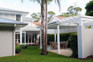 Bildno.: 11018612<br/><b>Feature: 11018591 - Relaxed but stylish</b><br/>Hamptons style beach house near Palm Beach<br />living4media / Bayside