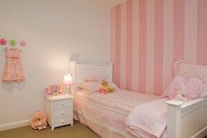 Bildno.: 11018620<br/><b>Feature: 11018591 - Relaxed but stylish</b><br/>Hamptons style beach house near Palm Beach<br />living4media / Bayside