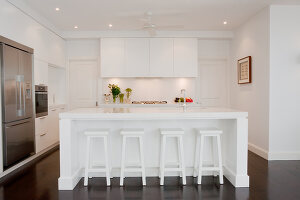 Bildno.: 11018626<br/><b>Feature: 11018591 - Relaxed but stylish</b><br/>Hamptons style beach house near Palm Beach<br />living4media / Bayside