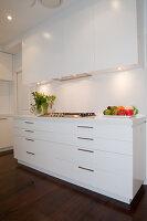 Bildno.: 11018628<br/><b>Feature: 11018591 - Relaxed but stylish</b><br/>Hamptons style beach house near Palm Beach<br />living4media / Bayside