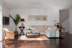 Bildno.: 11018634<br/><b>Feature: 11018591 - Relaxed but stylish</b><br/>Hamptons style beach house near Palm Beach<br />living4media / Bayside