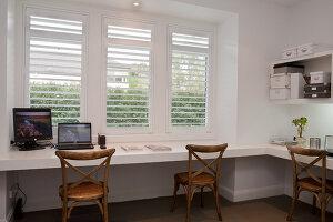 Bildno.: 11018646<br/><b>Feature: 11018591 - Relaxed but stylish</b><br/>Hamptons style beach house near Palm Beach<br />living4media / Bayside