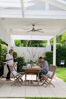 Bildno.: 11018648<br/><b>Feature: 11018591 - Relaxed but stylish</b><br/>Hamptons style beach house near Palm Beach<br />living4media / Bayside