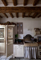 Bildno.: 11061438<br/><b>Feature: 11061397 - New Aristocracy</b><br/>Elegantly furnished home in downtown G&#233;n&#233;rac<br />living4media / Madamour, Christophe