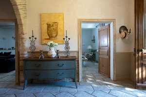 Bildno.: 11061482<br/><b>Feature: 11061397 - New Aristocracy</b><br/>Elegantly furnished home in downtown G&#233;n&#233;rac<br />living4media / Madamour, Christophe