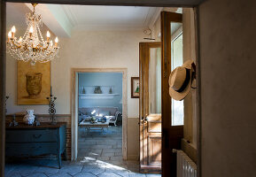 Bildno.: 11061508<br/><b>Feature: 11061397 - New Aristocracy</b><br/>Elegantly furnished home in downtown G&#233;n&#233;rac<br />living4media / Madamour, Christophe