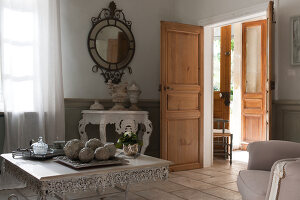 Bildno.: 11061570<br/><b>Feature: 11061397 - New Aristocracy</b><br/>Elegantly furnished home in downtown G&#233;n&#233;rac<br />living4media / Madamour, Christophe