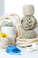 Bildno.: 11092260<br/><b>Feature: 11092259 - Ship Ahoy!</b><br/>Great decorating ideas using string, rope and cord<br />living4media / Taube, Franziska