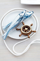 Bildno.: 11092274<br/><b>Feature: 11092259 - Ship Ahoy!</b><br/>Great decorating ideas using string, rope and cord<br />living4media / Taube, Franziska