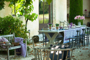 Bildno.: 11136468<br/><b>Feature: 11136451 - Bastide La Garance</b><br/>B &amp; B in beautiful Provence<br />living4media / Madamour, Christophe