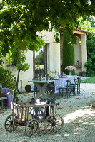 Bildno.: 11136470<br/><b>Feature: 11136451 - Bastide La Garance</b><br/>B &amp; B in beautiful Provence<br />living4media / Madamour, Christophe