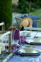 Bildno.: 11136478<br/><b>Feature: 11136451 - Bastide La Garance</b><br/>B &amp; B in beautiful Provence<br />living4media / Madamour, Christophe
