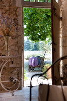 Bildno.: 11136554<br/><b>Feature: 11136451 - Bastide La Garance</b><br/>B &amp; B in beautiful Provence<br />living4media / Madamour, Christophe