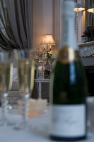 Bildno.: 11136770<br/><b>Feature: 11136666 - Champagne for Breakfast</b><br/>A decorator's home in the Marne region of Champagne<br />living4media / Madamour, Christophe