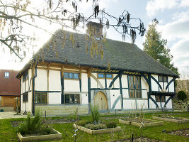 Bildno.: 11147358<br/><b>Feature: 11147357 - Link to the Past</b><br/>Refurbishing a 15th century farm house in Kent<br />living4media / Smith, Rachael