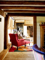 Bildno.: 11147368<br/><b>Feature: 11147357 - Link to the Past</b><br/>Refurbishing a 15th century farm house in Kent<br />living4media / Smith, Rachael