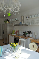 Bildno.: 11153578<br/><b>Feature: 11153570 - Cosy Country</b><br/>Pastel colours and country charm in kitchen dining area<br />living4media / Heinze, Winfried