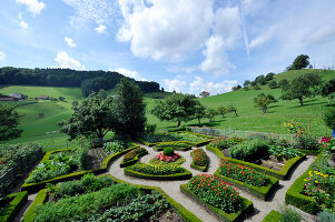 Bildno.: 11156052<br/><b>Feature: 11156046 - A Vision of Versailles</b><br/>French-style garden in Emmental, Switzerland<br />living4media / Hug, Karl-Heinz