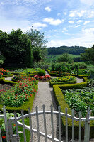 Bildno.: 11156070<br/><b>Feature: 11156046 - A Vision of Versailles</b><br/>French-style garden in Emmental, Switzerland<br />living4media / Hug, Karl-Heinz