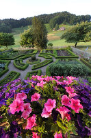 Bildno.: 11156084<br/><b>Feature: 11156046 - A Vision of Versailles</b><br/>French-style garden in Emmental, Switzerland<br />living4media / Hug, Karl-Heinz