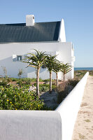 Bildno.: 11168600<br/><b>Feature: 11168583 - Coasting Along</b><br/>A coastal holiday home for a Cape Town couple<br />living4media / House &amp; Leisure