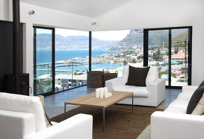 Bildno.: 11183092<br/><b>Feature: 11183078 - Home with a View</b><br/>Major rebuild in Cape Town, South Africa<br />living4media / Scarboro, Simon