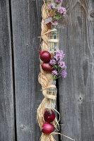 Bildnr.: 11195012<br/><b>Feature: 11194991 - Deko in Aubergine</b><br/>Was der Bauerngarten an Deko hergibt<br />living4media / Raider, Peter