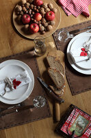 Bildno.: 11197574<br/><b>Feature: 11197527 - Christmas Naturally</b><br/>Natural materials create an elegantly simple holiday look<br />living4media / Raider, Peter