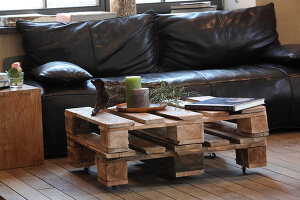 Bildno.: 11204846<br/><b>Feature: 11204844 - Trash to Treasure</b><br/>How to transform transport pallets into furniture<br />living4media / Raider, Peter