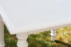 Bildnr.: 11204994<br/><b>Feature: 11204978 - Aus gr&#252;n mach sch&#246;n</b><br/>Make-Over eines alten Tisches im Shabby-Chic-Look<br />living4media / L&#246;scher, Sabine