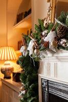 Bildnr.: 11216248<br/><b>Feature: 11216227 - Wo Weihnachten wohnt</b><br/>Klassisch dekoriertes Landhaus in Nottinghamshire, England<br />living4media / von Einsiedel, Andreas