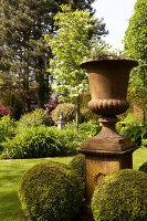 Bildno.: 11223664<br/><b>Feature: 11223659 - Green and Grand</b><br/>Romantic garden in Limburg, Belgium<br />living4media / Pietrek, Sibylle