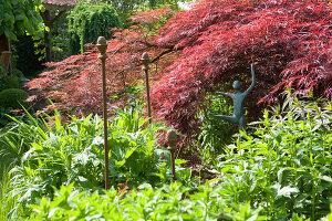 Bildno.: 11223676<br/><b>Feature: 11223659 - Green and Grand</b><br/>Romantic garden in Limburg, Belgium<br />living4media / Pietrek, Sibylle