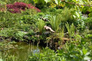 Bildno.: 11223680<br/><b>Feature: 11223659 - Green and Grand</b><br/>Romantic garden in Limburg, Belgium<br />living4media / Pietrek, Sibylle