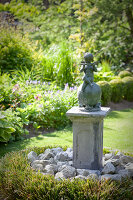 Bildno.: 11223696<br/><b>Feature: 11223659 - Green and Grand</b><br/>Romantic garden in Limburg, Belgium<br />living4media / Pietrek, Sibylle