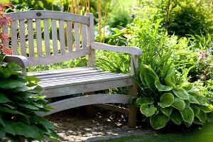 Bildno.: 11223698<br/><b>Feature: 11223659 - Green and Grand</b><br/>Romantic garden in Limburg, Belgium<br />living4media / Pietrek, Sibylle